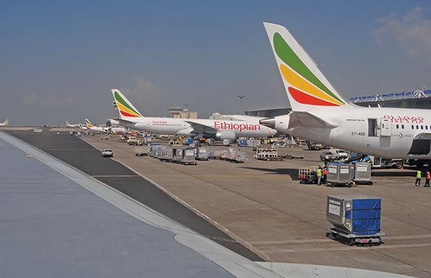 Des avions Boeing 767 d'Ethiopian Airlines en chargement à l'Aéroport d'Addis-Abeba  photo BEF