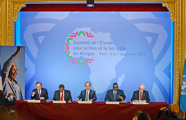 Le Secrétaire général de l'ONU Ban Ki-moon, le Président Tanzanien Jakaya Kikwete, le Président Francais François Hollande, le Président Sénégalais Macky Sall et le Président du Conseil européen Herman Van Rompuy AFP
