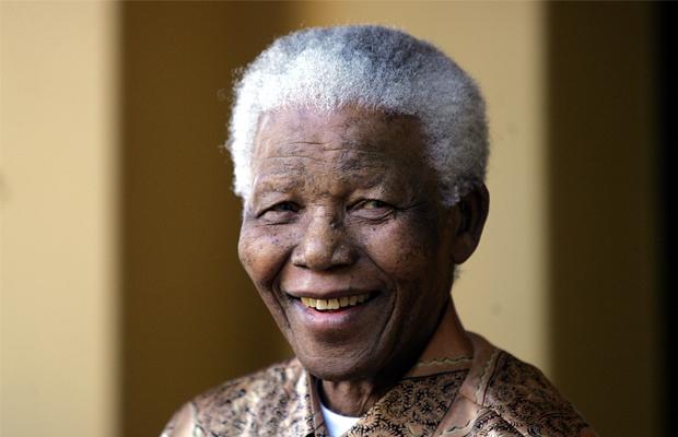Ancien président sud-africain Nelson Mandela   AFP PHOTO / ALEXANDER JOE