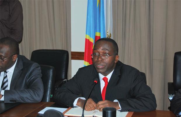 Le Premier ministre Augustin Matata Ponyo Mapon présidant une réunion de la troïka économique