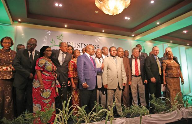 Membres du Gouvernement et leurs partenaires lors du Business meeting en 2013 au GHK (photo BEF)