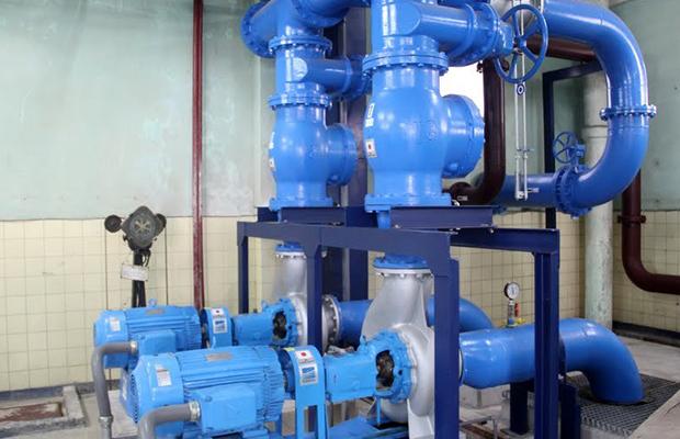 content1__0002_20_01 - Des pompes de la Regideso à l'usine de fourniture d'eau de Kinshasa, réhabilitée par la coopérati