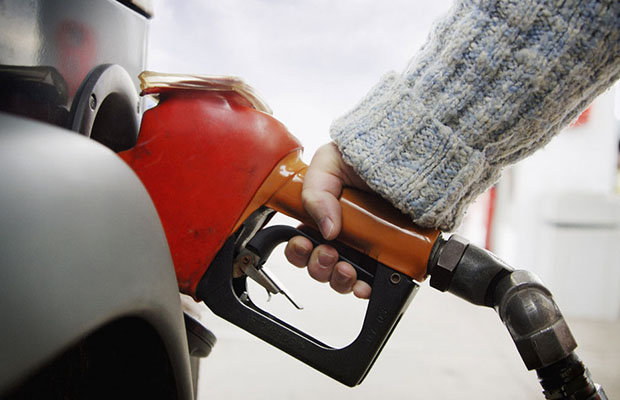Au Cameroun, le prix du litre de super est passé de 569 francs Cfa à 650 francs Cfa. (Photo DR)