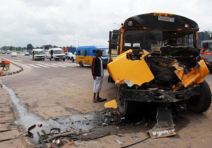 feature__0007_29_02 – Un accident de circulation endommageant trois véhicules à l'entrée de la 1ère rue Limete sur le bo