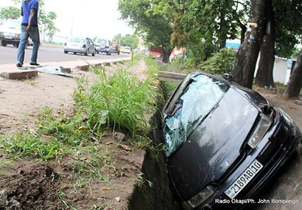feature__0008_29_01 – Accident de circulation sur l'avenue Kasa Vubu dans la commune de Bandalungwa