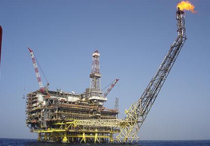 feature__0015_15_01 – Le poids du pétrole. (Photo Wikimedia)