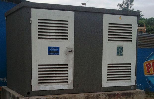 Selon un agent de la SNEL, la facturation forfaitaire est établie sur base de la consommation globale d'énergie, indiquée au niveau de la cabine. (BEF)