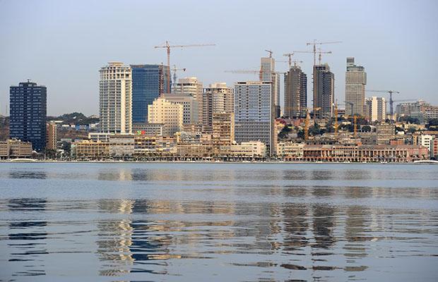 Grâce au pétrole, l'Angola a réalisé la plus forte croissance au monde tandis que les investisseurs accourent.