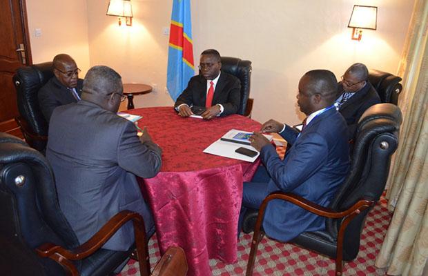 Les membres de la Troïka stratégique autour du Premier ministre, Matata Ponyo.