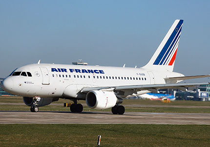 feature__0000_32_01 – Monde – Air France A318-100