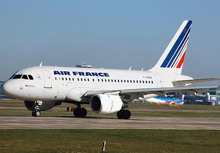 feature__0000_32_01 – Monde – Air France A318-100