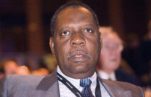 Issa Hayatou, président de la Confédération africaine de football (CAF).