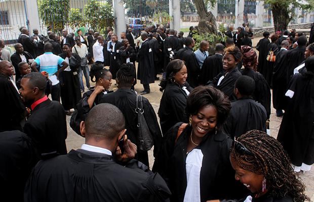 Les magistrats réclament un salaire mensuel minimum de 1600 dollars.