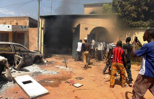 Pillage et saccage pendant les émeutes, à Ouagadougou.