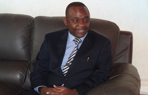 Jean-Paul Nemoyato, ministre de l'économie et du Commerce.