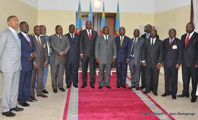 Photo de famille à l'issue de la conférence des gouverneurs, en août 2011, dans la capitale.