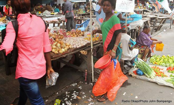 Des vivres dans un marché de la capitale.