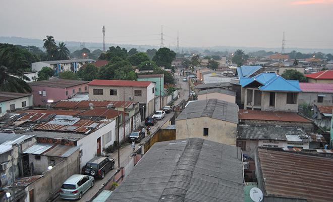 Vue d'un habitat dans la commune de Bandalungwa, à Kinshasa.