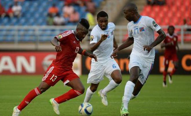 Duel entre un Diable rouge et un Léopard lors des quarts de finale de la CAN 2015.
