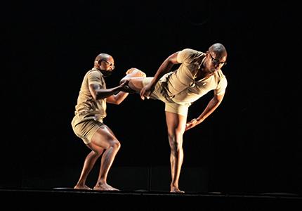 feature__0019_30_légende_la tournée de trois artistes les conduira dans quatoze pays d'Afrique (5)