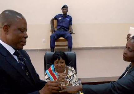 feature__0010_30_1. société, mariage civil à Kinshasa