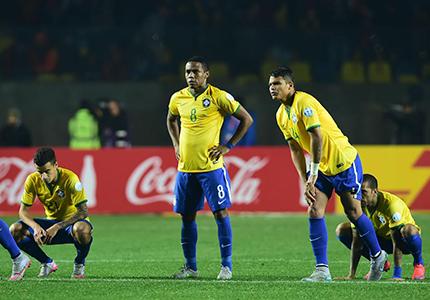 feature__0045_Les joueurs du Brésil après leur élimination en Copa America face au Paraguay