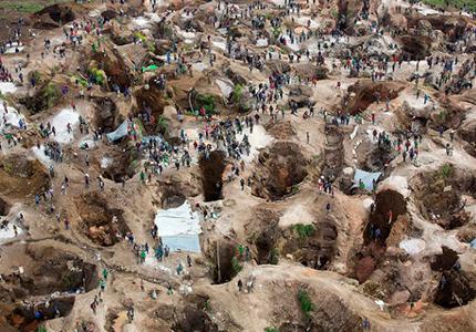 feature__0001_srsg-visits-coltan-mine-in-rubaya