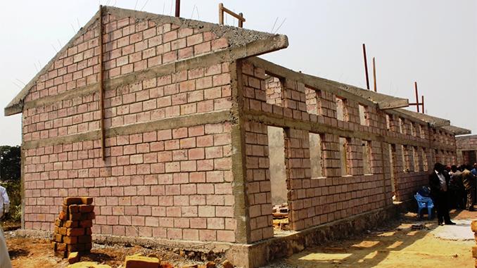Nouveau-bâtiment-de-lEP-Kimpeti